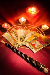 Zukunftsprognose - Hellsehen Wahrsagen Kartenlegen